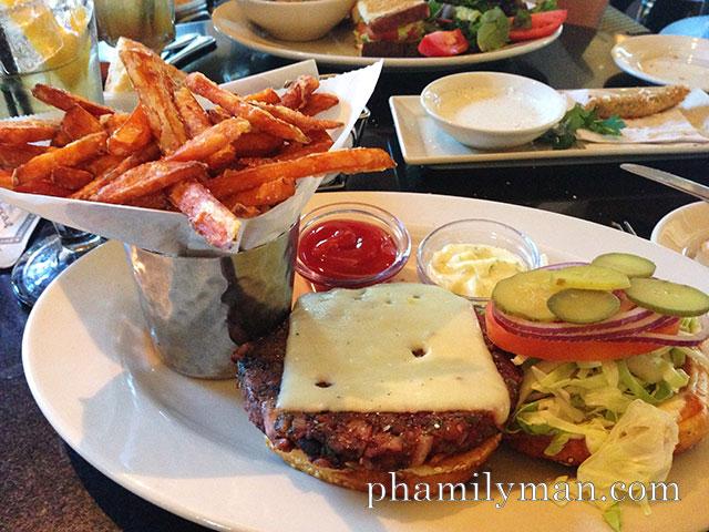 cheesecake-factory-brea-veggie-burger