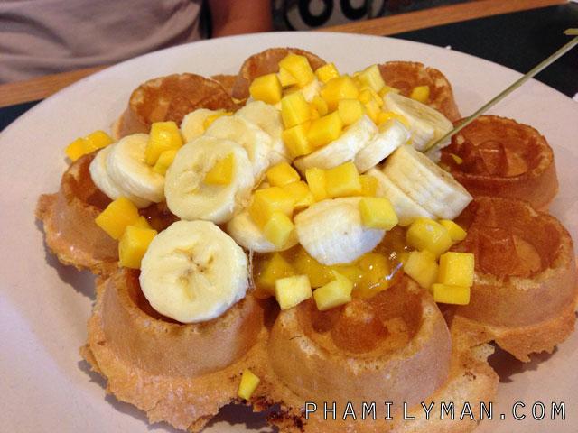 flappy-jacks-pancake-house-orange-mango-banana-waffle
