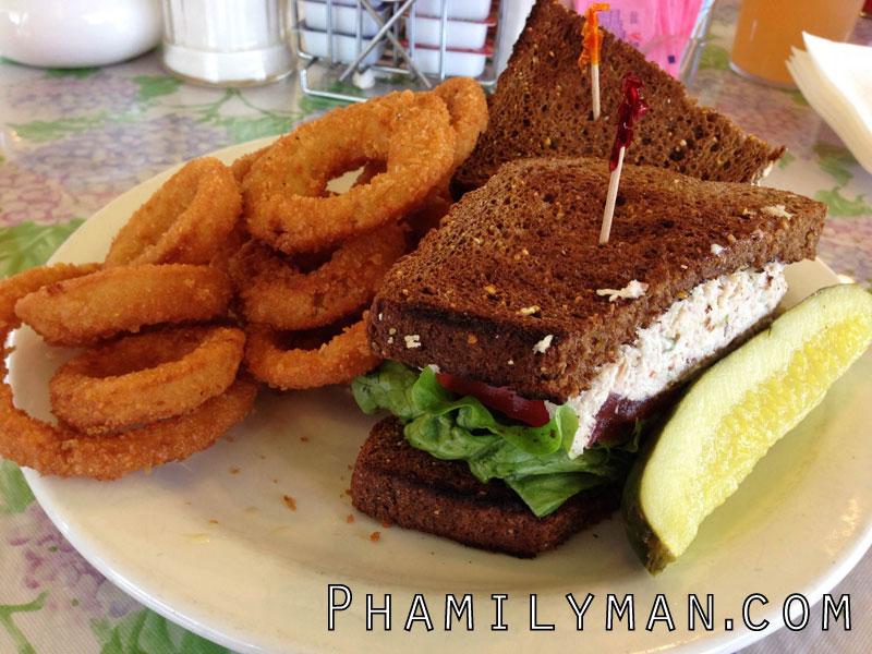 kimmies-coffee-cup-placentia-chicken-salad-sandwich