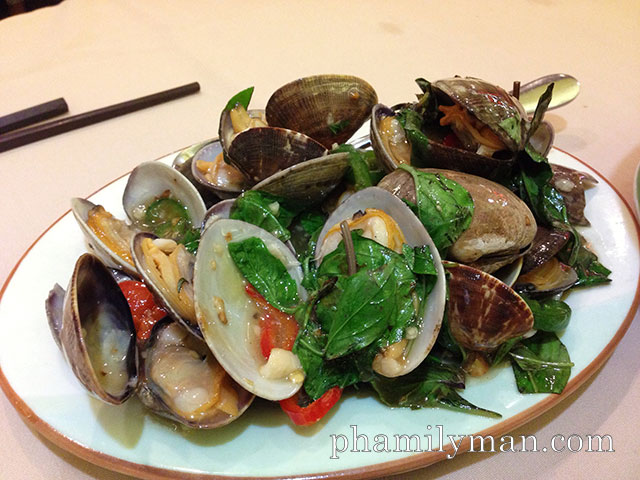 newport-seafood-restaurant-rowland-heights-clam-spicy-sauce